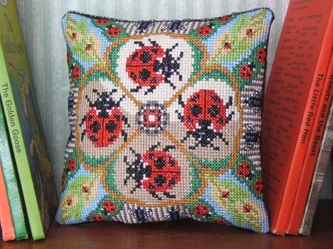 Ladybirds_&_Bugs_Mini_Cushion_Kit