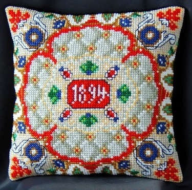 Renaissance_Mini_Cushion_Cross_Stitch_Kit