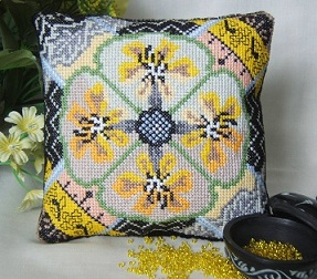 Tiger Orchid Mini Cushion Kit